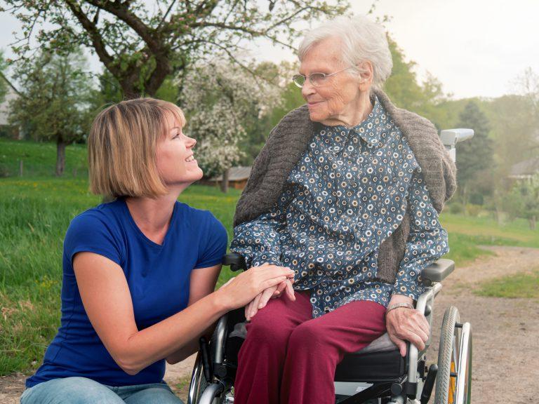 Inwestycja w domy seniora to dobry pomysł?