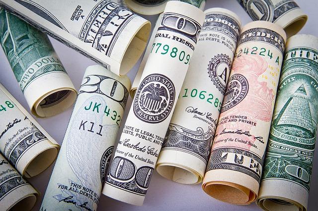 Jak ustalić podatek od dochodów z pracy zagranicą?