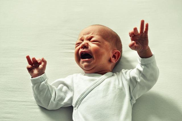 Jak radzić sobie z bólem brzucha u dziecka?