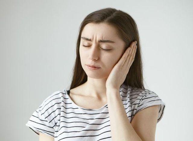 Zapalenie ucha zewnętrznego – przyczyny, objawy, leczenie